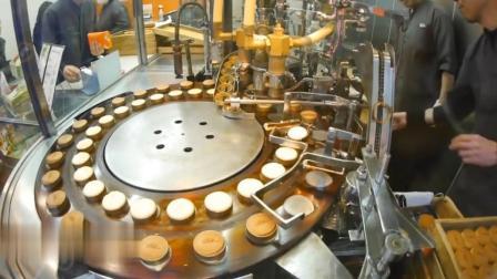 看看日本蛋糕店怎么做蛋糕, 全程自动化, 转一圈就熟了, 真先进