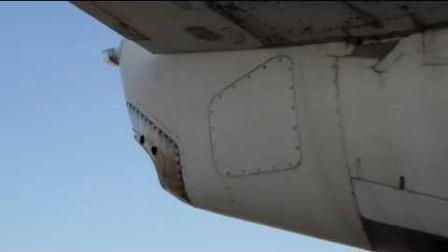 萨利机长驾驶的飞机发动机损坏, 他开启的辅助动力装置长什么样?