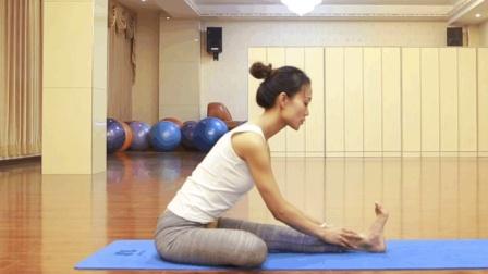 瑜伽老师教你半莲花前屈, 轻松简单
