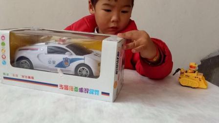 我的玩具世界 警察变形汽车