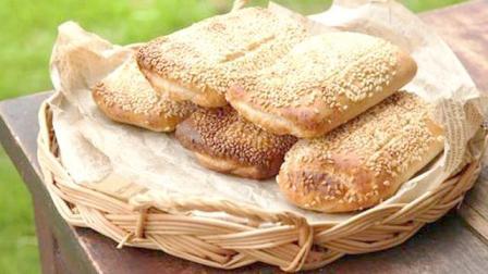 香酥椒盐芝麻烧饼, 做法非常简单, 而且很好吃!