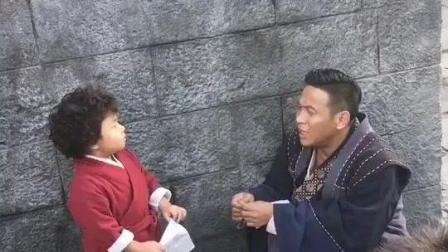 宋小宝跑到少林寺忽悠小孩子, 说自己是宋晓峰