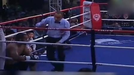 军人出身的中国拳坛龙王, 张君龙KO非洲拳霸蹲地不起!