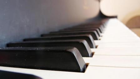 好听的钢琴谱演奏: 这是一首为你而唱的歌 l 生日快乐, 话筱漾  简单钢琴谱教学