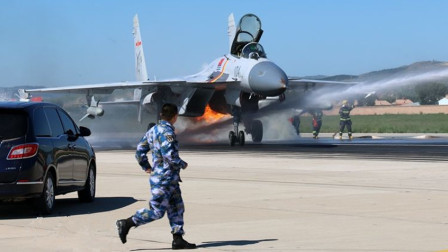 保飞机还是保飞行员?中国空军的选择和我们想的不一样