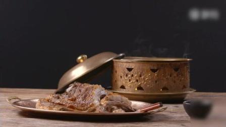 《烤羊排》蒙古族吃羊肉讲究原汁原味, 重在增香, 做法方便, 用烤箱即可完成,
