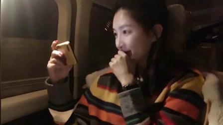 江疏影一下飞机就追剧《小美好》 直呼剧情齁甜唤醒了少女心