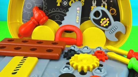 玩具学堂 2017 超级工具箱仿真玩具,用电锯锯木头,过家家玩具 689