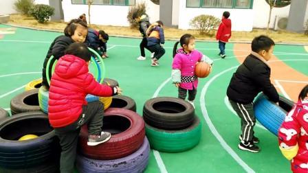 郎溪经济开发区第一幼儿园幼儿课间玩耍
