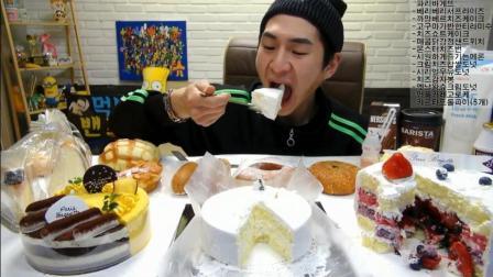韩国大胃王奔驰哥, 吃三个超大蛋糕, 十几个面包, 吃完起码重10斤, 看着都腻