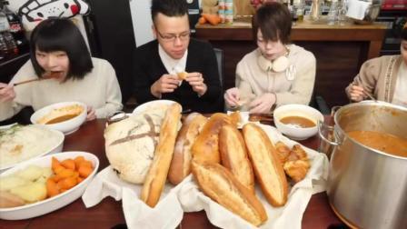 日本大胃王俄罗斯和新井熊挑战吃16kg土豆萝卜炖牛肉配面包