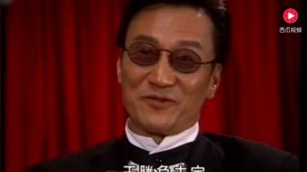 谢贤当年出演的赌神, 一点也不比周润发差, 太帅了