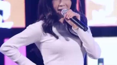 韩国女团成员十大美胸肉荣——赵贤荣[超清版]