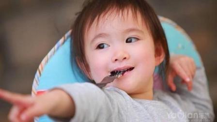 奥莉小吃货, 爸爸说萨拉米时, 小萌神眼睛都亮了