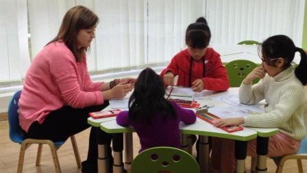 你还在给孩子一对一教学? 这个才是最好的方式!