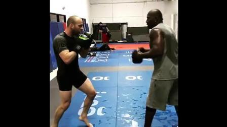 国外UFC拳手, 手靶训练全过程, 主要拳手的距离感!