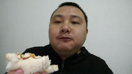 中国吃播评测吐司面包夹辣条的吃法