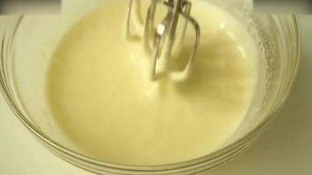 慕斯蛋糕教程烘焙教学-颜值爆表的草莓鲜奶蛋糕奶油打发