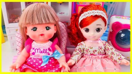 小宝宝吃了韩国娃娃做的食物居然不哭了耶 韩国娃娃做美味食物