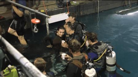 电影《鲨海》水下拍摄花絮曝光