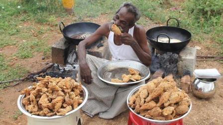 100个鸡腿和100个鸡翅膀, 印度大爷扔油锅里炸, 出锅时我真的服了