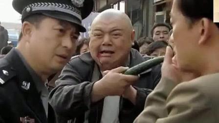 《营盘镇警事》张嘉译整治劫匪, 两招放倒!