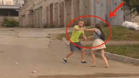 俄罗斯美女就是猛, 实拍小情侣街头打架, 拳拳到肉!