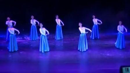 8个美女跳蒙舞《遥远的妈妈》, 美到舍不得眨眼睛~