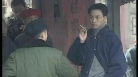 张国荣普通话说得真好, 还带儿化音, 很苏很好听! 这普通话四大天王加起来都没他说的清楚。