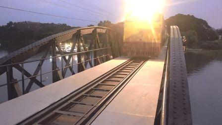 【绿行 迷你Vlog】桂河大桥夜市生活丰富多彩 038