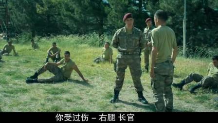特种部队残酷训练, 军人腿都快跑断了, 教官让他咬牙坚持跑下来!