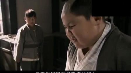 日本鬼子看不起中国功夫, 结果被两个小孩打得裤子都没了