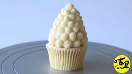 圣诞节就要来了, 一起来制作应景的甜品吧, 白色圣诞小蛋糕, 送给小伙伴们当做圣诞礼物吧!