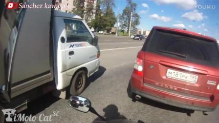 开车大神要当心, 老司机们莫飙车, 第一视角实拍改装摩托翻车视频_超清