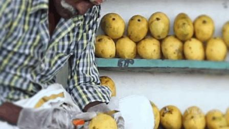 有爱心的印度大叔, 自制新鲜芒果汁, 比想象中干净, 都分给穷人喝
