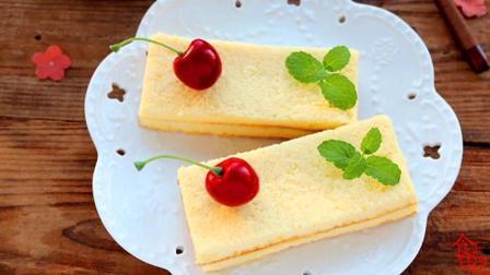 半熟芝士小蛋糕, 轻度烘焙, 入口酸甜, 口感非常湿润细腻
