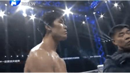 武林风 日本拳王赛前骂哭中国美女惹毛死神方便 方便重拳KO对手