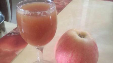 宝妈每天给孩子煮苹果水喝, 过了半个月宝宝变成了这样, 妈妈大笑