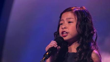 6岁巨肺小萝莉一首《鲁冰花》, 妈妈们听了要流泪, 曾直接征服外国人!