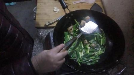 长蒜苔炒肉