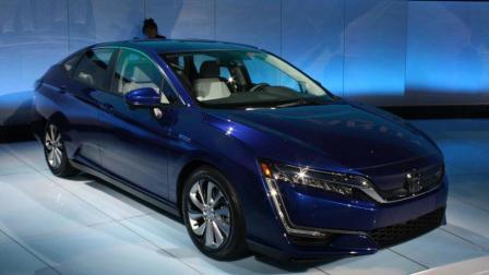 本田Clarity新能源汽车, 外观像思域但是价格却比它贵了三倍!