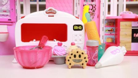 趣盒子玩具 第一季 芭比娃娃做杯子蛋糕过家家玩具分享