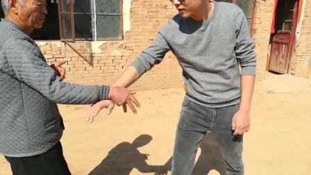 七十多岁农村师傅教授传统武术, 不收徒弟 不收学费