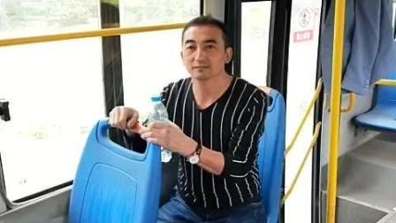 """公交车的""""两块"""", 心情不好的良药"""