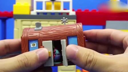 小猪佩奇的凤梨屋, 海绵宝宝迪士尼玩具