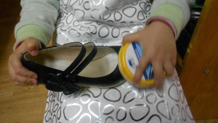 皮鞋用它一擦就亮, 穿20年都旧不了, 一年还省300块钱!