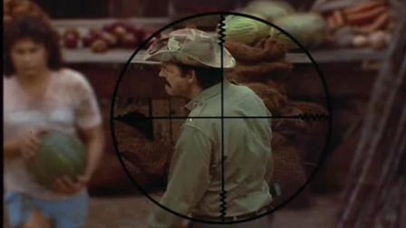 美军狙击手成功击敌人, 撤退时又被敌人狙击, 生一瞬间