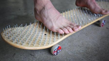 世界上最奇葩的滑板, 布满钉子, 不怕扎伤脚吗?