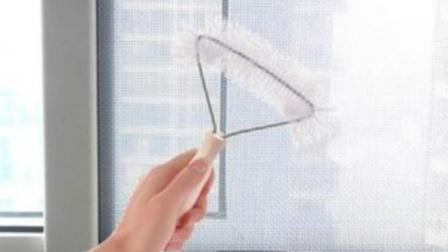 25岁宝妈教你神奇清理纱窗的小妙招, 一年可省下200元清洁费呢!