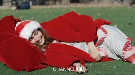 ViE呈现|美女圣诞老人的礼物大派送